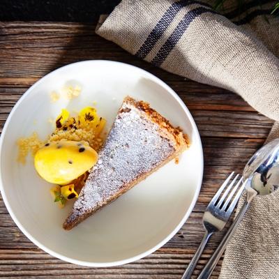 La Petite Ferme - Caramel fudge tart